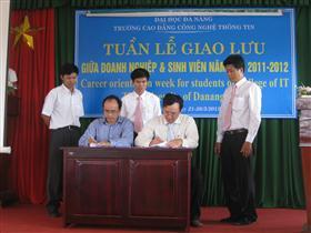 """Hội thảo """"Gia nhập công đồng 1.000.000 chuyên gia CNTT"""" tại Cao đẳng CNTT và CĐ CNTT Hữu nghị Việt – Hàn"""
